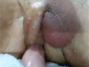 Self fucking, while using my crude fuck machine,ends in a nasty cream pie